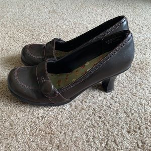 Candie's heeled loafer